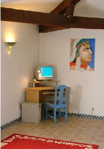 Accommodation in Aude, Languedoc-Roussillon, South France with computer.  Internet Access included in the cost