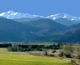 Walking holidays in the Pyrenees - beautiful landscapes of South France
